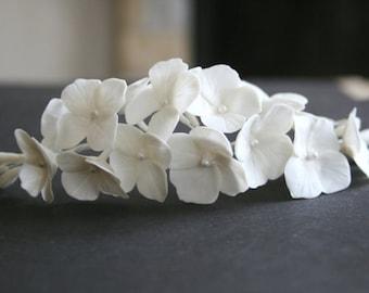 Hydrangea comb, Bridal flower headpiece, Bridal flower comb, Bridal hair flower, Wedding flower comb, Bridal hair accessory, Decorative comb