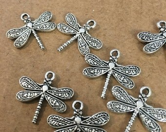 Dragonfly charms (10 pieces)