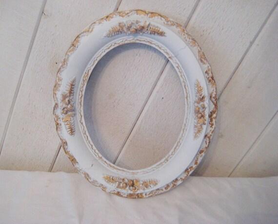 white oval frame antique distressed picture frame ornate. Black Bedroom Furniture Sets. Home Design Ideas