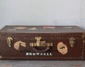 Brown Steamer Trunk / Vintage Steamer Trunk / Metal Footlocker / Coffee Table Trunk / Storage Trunk / Brown Vintage Metal Farmhouse Trunk
