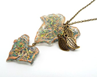 Leaf Necklace, OOAK Pendant, Resin and Glitter, Ivy Leaf Jewelry, Green and Gold, Resin Jewelry, Antique Bronze, Handmade Necklace, UK Store