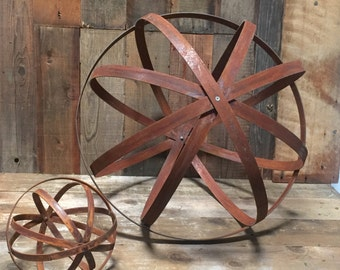 Steel Garden Sphere 18'' - Extra Wide 1.5 inch wide Steel - Rust & Steel Finish - Extra 2 Rings (Not Pictured)