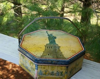 Loose Wiles 8 Sided Biscuit Tin 1930s Statue of Liberty Americana History