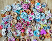 Bargain Pack of Mixed/Assorted Plastic Wooden Buttons for Craft, Scrapbooking, Sewing