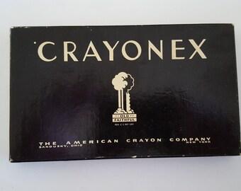 Vintage Crayonex Prang No.251 crayons, The American Crayon Company,  Sandusky, Ohio 16 colors