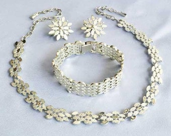 A Fashion Statement, 3 PIECE Parure SILVER Set