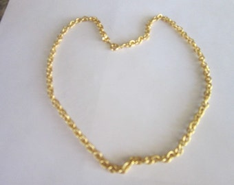 Necklace Gold Tone Thick 18 inch  Chain Necklace