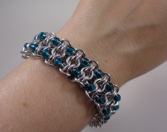 Teal Beaded Gridlock Chainmail Bracelet; Blue-Green Chain Maille Bracelet; Chain Mail Bracelet; Chainmaille Bracelet