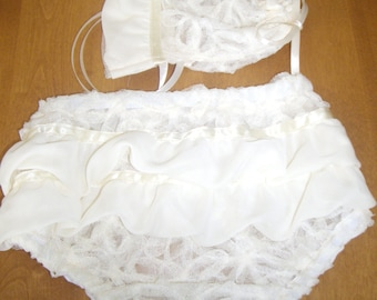 Two Piece Stretch Lace Ruffled Bloomer and Hat Set, Size 3-6 mos.