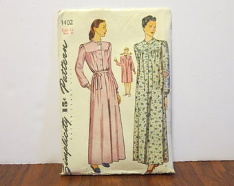"""Vintage 1940s Simplicity pattern 1402 nightgown negligee size 12 bust 30"""" waist 25"""" hips 33"""" original directions"""