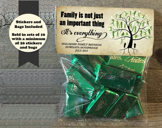 Family reunion stickers and bags favors