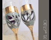 Bride Groom glasses,Wedding glasses,Handpainted glasses,Champagne Glasses,Toasting Flutes,Set of 2,Personalized