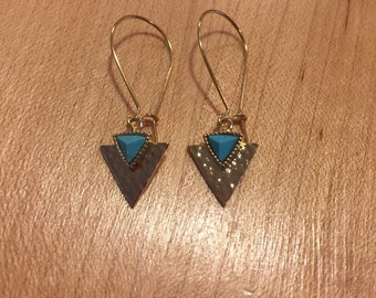 Hammered gold triangle earrings