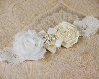 Ivory wedding garter | Etsy