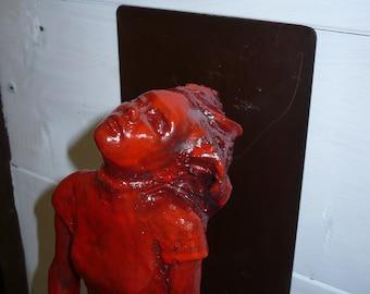 Sitting girl - Red glazed ceramic - 12x12x35cm