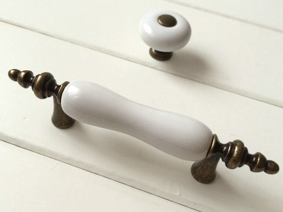3 white kitchen cabinet pulls handles knob dresser pulls for 3 kitchen cabinet handles