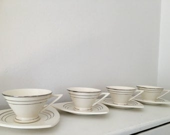 Salem Tricorne and Streamline Diningware