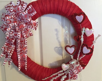Happy Valentines Day Wreath. Handmade Valentines Day Wreath. Handmade Wreath. Heart Wreath. Straw Wreath. Valentines Wreath