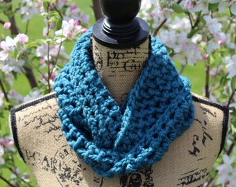Infinity Scarf, Chunky Scarf, Teal/Blue Color, Winter Scarf, Gifts for Her