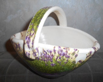 Discount on LAVENDER flower pot from USD 26 to USD 19.