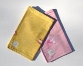 "Burp Cloth Gift Set in ""Cat Soiree"" : 100% organic cotton"