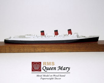 RMS Queen Mary Royal Cruise Ship 1930s Oceanliner Paperweight Long Beach
