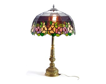 Vintage 1982 Handmade Large Tiffany Style Table Lamp / Stained Glass / Leadlight Lamp featuring Pink and Cream Pansies with Green Leaves