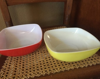 Vintage Pyrex 515B Hostess Dishes