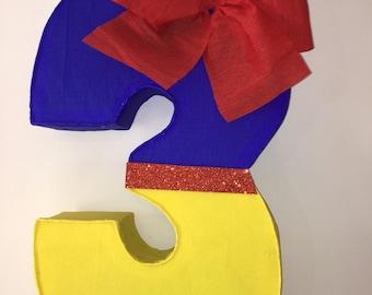Number 3 pinata snow white. Snow white pinata. Snow white birthday Party.