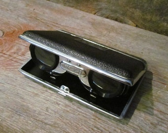 Vintage 1960's Mid Century Butterfly Foling Binoculars Opera Glasses  2.7x Magnification Black Faux Leather Case