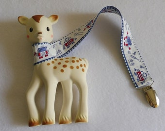 BatesCreates Sophie the Giraffe leash, tether, toy - 100% cotton fabric - topstitched (BLUE ROBOTS)