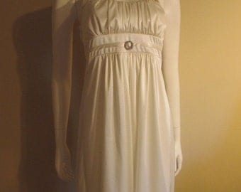 Ivory Marilyn Monroe Style Halter Dress Size Small, Possible Halloween Costume