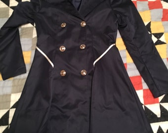 Navy trench coat with cream detail! Size Medium