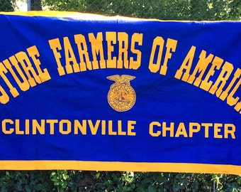 Vintage Antique Estate Future Farmers of America Clintonville Chapter Felt Pennant Banner FFA Size 72x35