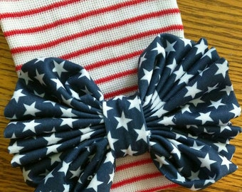 FLaSH SaLE Newborn Hospital Hat. Patriotic Red White Stripes with Stars blue Bow! Great Gift. Baby's 1st Keepsake. July Baby. May Baby. Sept