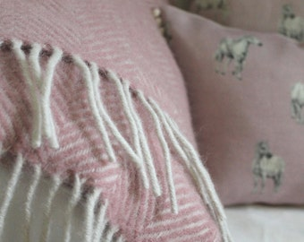 Rachel Bonas 100% pure new wool Dusky Pink throw