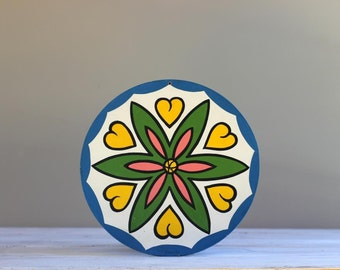 Pennsylvania Dutch Love Hex Sign Bright Colorful Wall Hanging for Girl Bedroom Nursery Farm Barn Outdoor Entryway Porch Welcome Decor