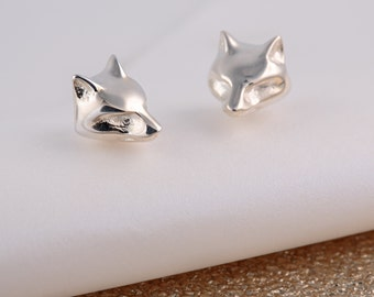 Silver Fox Stud Earrings. Matching necklace also available.