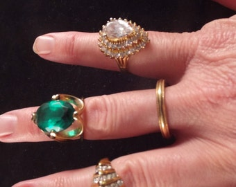 4 Costume Rings 18 Kt HGE, Vintage Jewelry, Group of Rings, Numerous Sizes, Theatre Rings, Large Green Ring, Bling