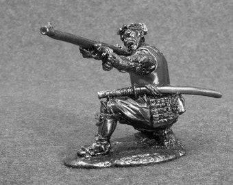 Action Figures Collectibles Ashigaru 1/32 Scale Shooter with Arquebuse Sculpture 54mm Collection Tin Metal Miniature Figurine Statuette