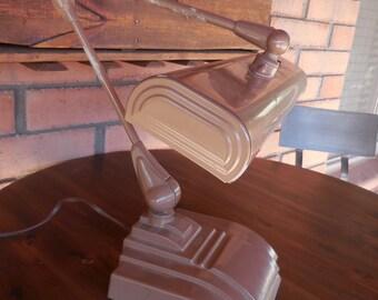 Flexo articulating desk lamp