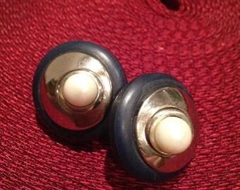 Audrey Line Earrings