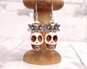 Sugar skull earrings, white skull earrings, bohemian earrings, day of the dead jewelry, skull wedding, frida kahlo jewelry, boho wedding