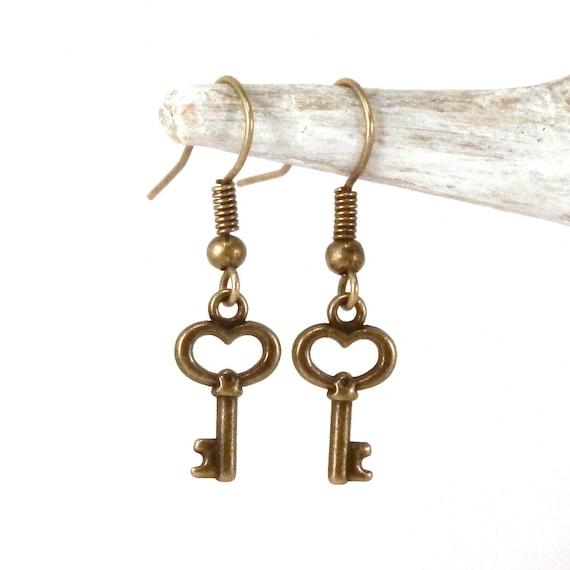 skeleton key earrings antique bronze key earrings