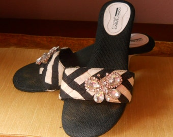Donald Pliner butterfly sandals - size 8