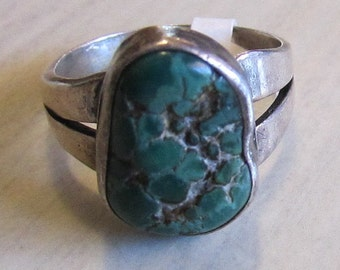 Sterling Silver and Turquoise Ring. Size 7 1/4