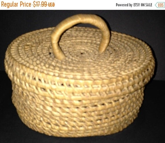 On sale wicker round basket with lid and handle by agoodfinddepot - Round wicker hamper with lid ...