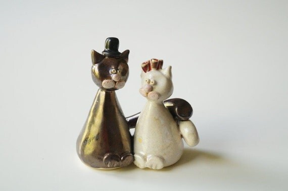 personalised ceramic wedding cake toppers wedding cake topper cat cake topper ceramic cake by hermoments 18209