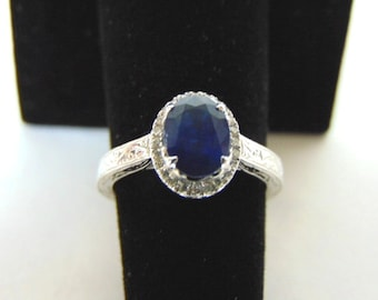 Exquisite Womens 14k White Gold Ring w/ Diamonds & Sapphire