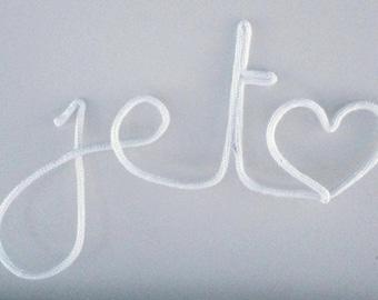 Je t'<3  - woolen word | Wall decoration
